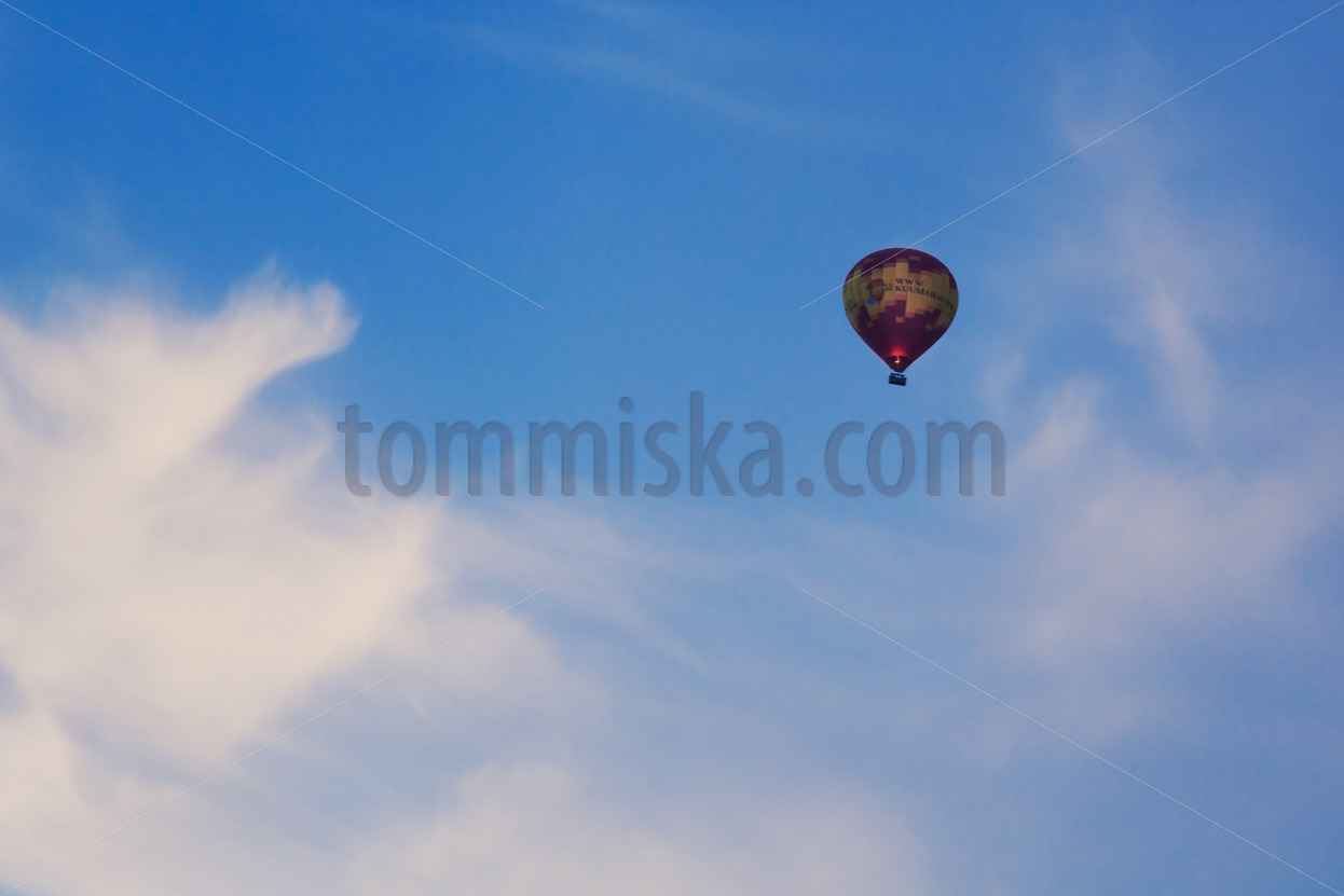 Hot-air balloon - Arto Tommiska
